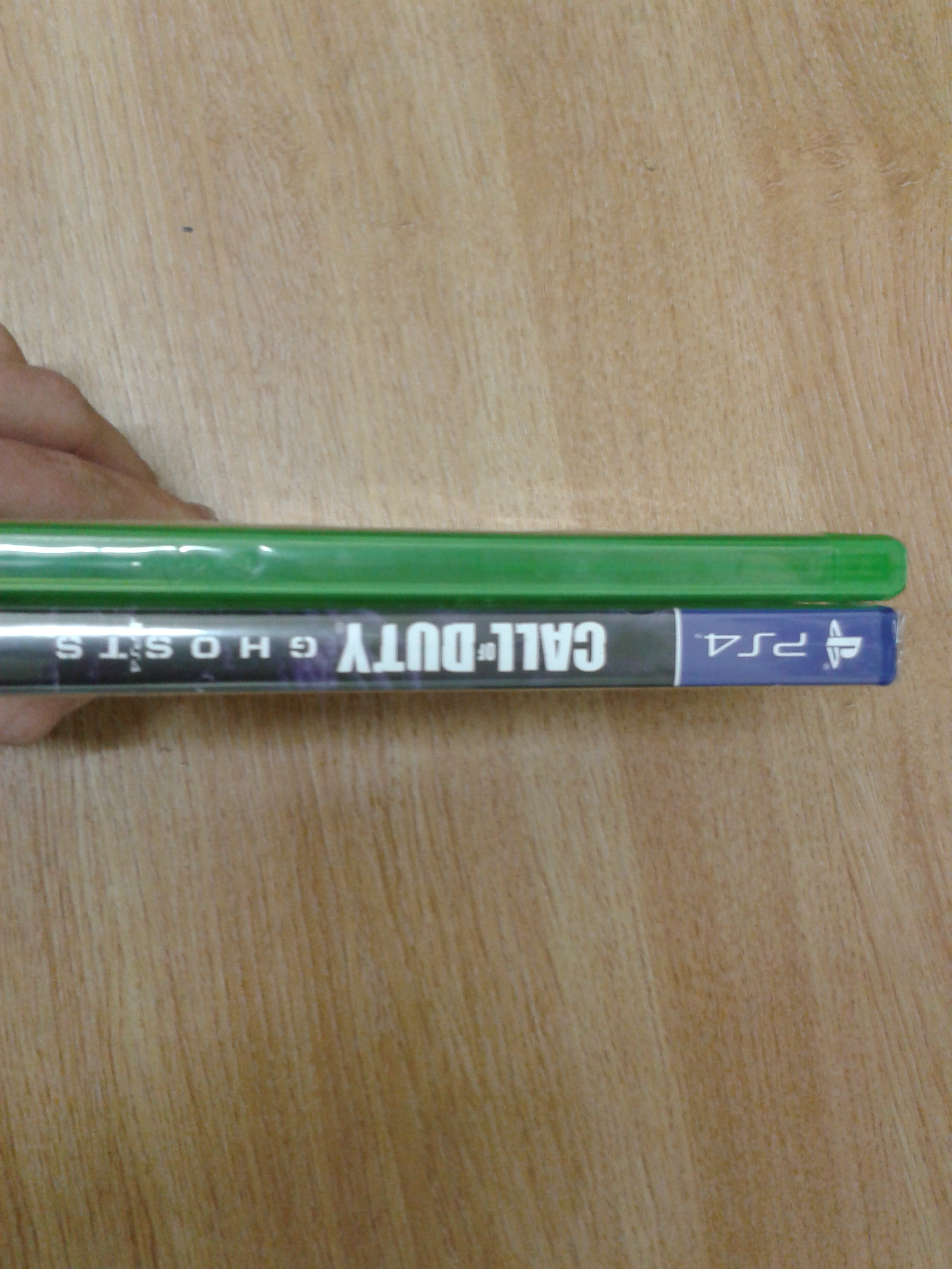 Xbox One/PS4 Game Case Comparison: One is Thinner | Coin Arcade